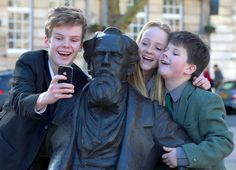 Charles Dickens' Great Great Great Grandchildren Take A Selfie With The Novelist's New Statue