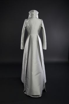 Manteau de mariée en triple taffeta de soie, signé Edith Bréhat