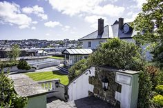 View venue pictures and testiomonials from happy couples and their wedding parites. Book your bespoke wedding celebration with The Falcon Hotel Bude Rustic Wedding Venues, Bude, Celebrity Weddings, Mansions, House Styles, Gallery, Pictures, Mansion Houses, Photos