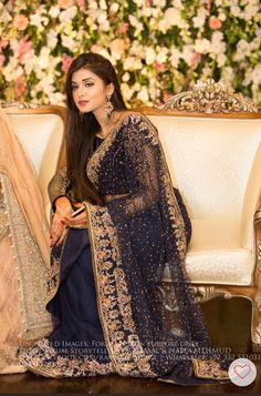 Beautiful Aleesha haq wearing at her sister's reception. Pakistani Formal Dresses, Pakistani Bridal Wear, Pakistani Wedding Dresses, Pakistani Outfits, Indian Dresses, Bridal Dresses, Walima Dress, Saree Wedding, Indian Outfits