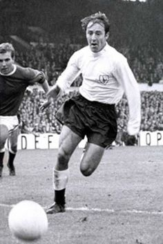 Jimmy Greaves, my all time Spurs hero, hope he has a great night at his benefit and hope he recovers from his recent illness. World Football, Football Soccer, School Football, Soccer Stars, Sports Stars, Good Soccer Players, Football Players, Jimmy Greaves, Tottenham Hotspur Players
