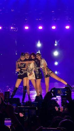Kim Jennie, Melanie Martinez, Yg Entertainment, I Love Girls, Pretty Girls, Korean Best Friends, Blackpink Members, Kim Jisoo, Blackpink Video