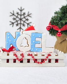 I promised you lots of Christmas Gingerbread Centerpiece this year, and I decided to kick off the season with a pretty Noel Sign fro...