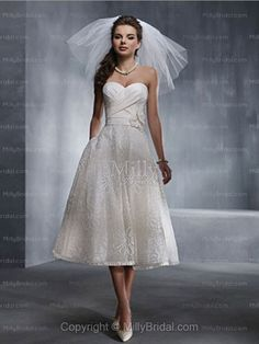 A-line Sweetheart Tulle Hand Made Flower White Tea-length Wedding Dress at Millybridal.com