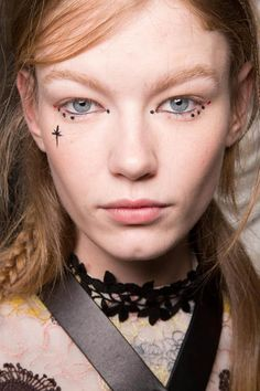 See all the makeup looks from NY, Paris, London and Milan Fashion Weeks in one place! Giamba AW15 IT