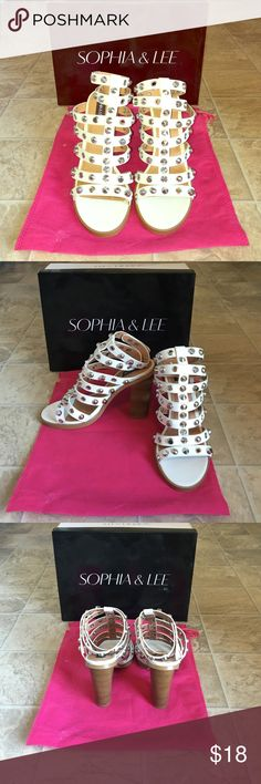 🔥💕Just in💕🔥Shoedazzle Super trendy heels. White with pyramid accents. Used once, in like new condition. Sophia & lee Shoes Sandals