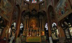 Altar da catedral de São Salvador em Bruges.
