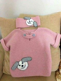 Easy Kids Sweater with Half Sleeve Figure Ornament Knitted as Haraşo … - Crochet Knitting For Kids, Crochet For Kids, Baby Knitting Patterns, Knitting Designs, Knitting Socks, Sweater Patterns, Baby Pullover, Baby Cardigan, Girls Sweaters