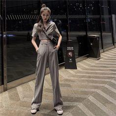 Korean Girl Fashion, Ulzzang Fashion, Kpop Fashion, Asian Fashion, Daily Fashion, Womens Fashion, 70s Fashion, Kpop Outfits, Girl Outfits