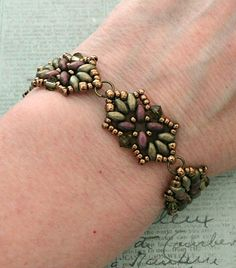 Linda's Crafty Inspirations: Bracelet of the Day: Tampa Bracelet Variation - Olive & Plum