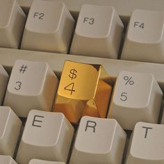 Golden Keyboard Button - A golden replacement for the dollar sign on your computer keyboard – one of the most commonly used symbols in our materialist society. Custom made for your keyboard, development and production will take some time. Keyboard Keys, Computer Keyboard, Deco Web, Chloe Bourgeois, Gold Everything, Handsome Jack, Dollar Sign, Tumblr, Think
