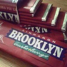 Chewingum Brooklyn gusto cannella. Stranezze dei tempi, oggi tornerebbero prepotentemente di moda, secondo me :D