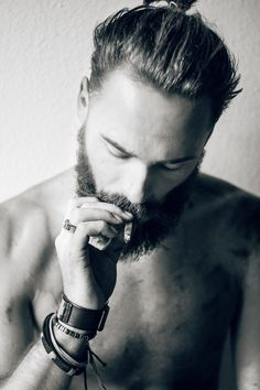 Men with beards? Oh it's that time again. The time for us girls to look & talk men, on one of the most discussed men topics in the past years: FACIAL HAIR. Side Hairstyles, Fringe Hairstyles, Undercut Hairstyles, Scruffy Men, Hairy Men, Bearded Men, Moustaches, Cool Haircuts, Haircuts For Men