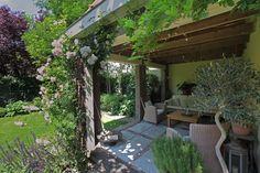 tuin tuinontwerp tuinarchitect hovenier hoveniersbedrijf tuinaanleg beplanting beplantingsplan onderhoud klimplanten buitenverblijf tuinschuur