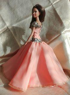 https://www.fler.cz/zbozi/saty-pro-barbie-8758491