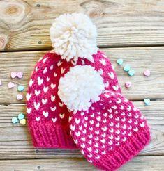 Pom Pom Hat Knitting Pattern, Chunky Beanie Knitting Pattern, Fair Isle Hat Pattern, Little Hearts Hat Knitting Pattern, Baby Hat Pattern Mama Baby, Mom Hats, Baby Hats, Chunky Knitting Patterns, Hand Knitting, Knitting Ideas, Baby Pom Pom Hat, Pom Poms, Pink Cat Hat