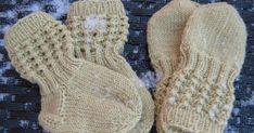 Lise-Loten pikkuinen setti Ohje: Ravelry, by Paula Loukola Lanka: DROPS Baby Merino, lime 09 sukat tumput Puikot: . Knitting Videos, Knitting Charts, Knitting Socks, Baby Knitting, Knitting Patterns, Knit Socks, Baby Kids Wear, T Baby, Drops Baby