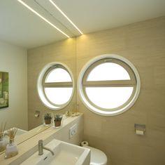 Haus K. - Wien www.wagner-fenster.at Aluminium, Mirror, Bathroom, Design, Furniture, Home Decor, Round Bathroom Mirror, Windows And Doors, Bath Room
