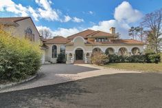 View this luxury home located at 926 Closter Dock Road Alpine, New Jersey, United States. Sotheby's International Realty gives you detailed information on real estate listings in Alpine, New Jersey, United States.