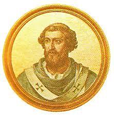 """70.- Honorio I (625-638)  Nació en Capua. Elegido el 25.X.625, murió el 12.X.638. Envió misionarios en casi todo el mundo. Instituyó la fiesta de la """"Exaltación de la Santa Cruz"""" el 14 de septiembre. Sanó las cuestiones de la Iglesia en Oriente, y el cisma de Aquileia por los """"tres capítulos""""."""