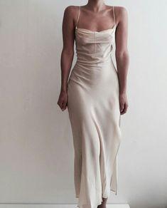 champagne slip dress wedding dresses silk -My Zinc Bed- Pretty Dresses, Beautiful Dresses, Elegant Dresses, Simple Formal Dresses, Simple Long Dress, Casual Dresses, Look Fashion, Fashion Outfits, Spring Fashion