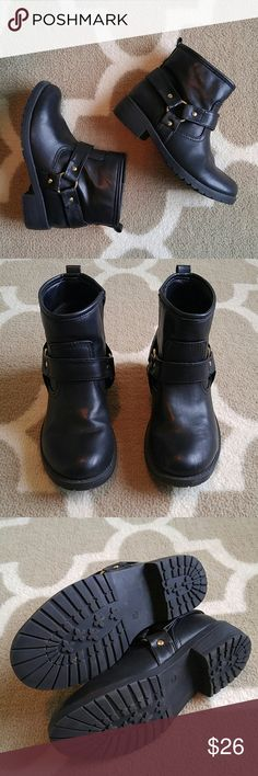 """H&M black moto ankle boots Worn only once! Great condition. Gold hardware. These are marked as a US size 5, but a European size 36. So I am call one them a 5.5. I measured the bottom of the boot from toe to heel and it is 9.75"""" for your reference. H&M Shoes Combat & Moto Boots"""