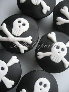 Skull & Bones Cupcakes