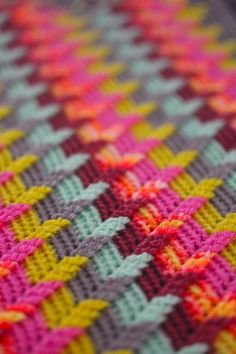 Beautiful Apache Tears crochet stitch pattern | free with other color choices shown.