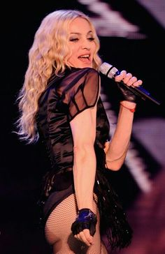 Madonna Rare, Lady Madonna, Madonna 80s, Madonna Photos, Cyndi Lauper, Celine, Dark Beauty, Female Singers, Material Girls