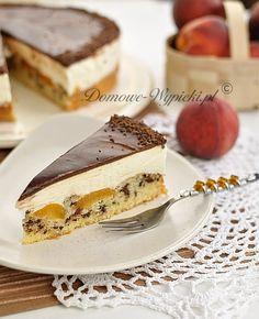 http://www.domowe-wypieki.pl/przepisy-ciasta-ucierane/121-przepis-na-tort-smietankowy-z-morelami