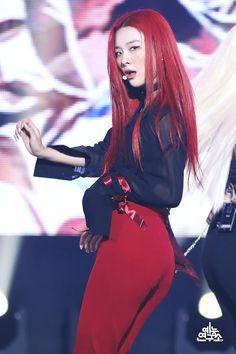 (5) Lulamulala (@Lulamulala) / Twitter Red Velvet Seulgi, Red Velvet Irene, South Korean Girls, Korean Girl Groups, Red Pictures, Park Sooyoung, Kang Seulgi, Kpop Outfits, Pop Group
