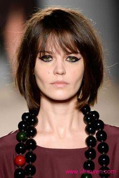 bob frisuren trendy (2) #frisuren #bobfrisuren #asymmetricalhaircuts #asymmetricalhairstyles #hair #hairstyles #frisur #haare #kurzhaarfrisuren