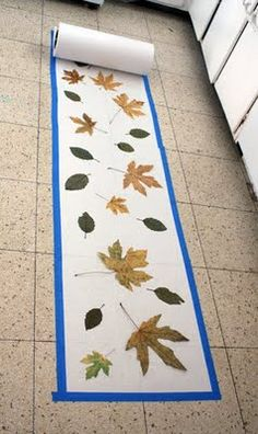 Filth Wizardry: Leaf rubbing and paint mural (fall crafts for kids of all ages) Fall Arts And Crafts, Autumn Crafts, Fall Crafts For Kids, Autumn Art, Autumn Theme, Art For Kids, Kids Diy, Fall Preschool, Preschool Crafts