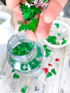 How to make a Christmas Tree sensory bottle for babies and toddlers - Kid Activities with Alexa Sensory Bottles For Toddlers, Sensory Bottles Preschool, Glitter Sensory Bottles, Sensory Bags, Sensory Play, Real Christmas Tree, Silver Christmas, Green Christmas, Christmas Themes