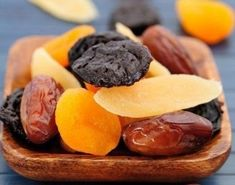 Каждый вечер перед сном в течение 1,5 месяцев ешьте:-курагу-инжир-черносливСледует есть в таком соотношении: 1 плод инжира (смоковницы)5 сушеных абрикосов (кураги) 1 плод чернослива Эти плоды содержат...