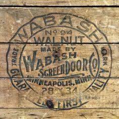 thetypehunter:  Weathered Walnut Wabash #typehunter #typehunting #badgehunting #vintageadvertising #vintageletters #scottantiquemarket #scottantiqueshow2015 Vintage Wooden Crates, Old Crates, Wine Crates, Furniture Stores Nyc, Furniture Websites, Grunge Room, Pallet Signs, Pallet Tv, Antique Show