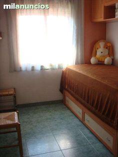 . Ref:V3328. Se vende estupendo piso en la zona centro de Santa Pola. La vivienda dispone de 3 dormitorios, 1 ba�o, sal�n-comedor, balc�n acristalado, aire acondicionado.. Muy buena situaci�n.  Una cosa es alquilar, y otra muy distinta encontrar la casa que