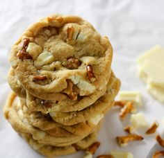 Chunks of white chocolate, chewy caramel bits and crunchy pretzels create a sweet and salty cookie that is sure to be a family favorite! Pretzel Cookie Recipe, Pretzel Cookies, Brownie Recipes, Cookie Recipes, Cookie Cottage, White Chocolate Pretzels, Pretzel Snacks, Cottage House, Sweet And Salty