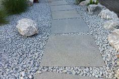 die 154 besten bilder von einfahrt pflastern paving stones drive way und driveway ideas. Black Bedroom Furniture Sets. Home Design Ideas