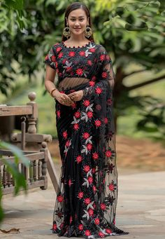 Indian Designer Sarees, Designer Sarees Online, Black Net Saree, Net Blouses, Back Neck Designs, Saree Look, Fancy Sarees, Beautiful Saree, Embroidered Blouse