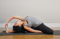 Stimulates the liver and abdominal organs. Stretches the spine.