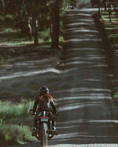 Habermann & Sons Classic Motorcycles and more: Photo Motorbike Girl, Cafe Racer Motorcycle, Motorcycle Girls, Lady Biker, Biker Girl, Ducati Sport Classic, Classic Motorcycle, Bike Photoshoot, Cafe Racer Girl