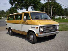 Chevrolet Van, Chevrolet Trucks, Gmc Trucks, Classic Trucks, Classic Cars, Classic Auto, Mens Vans Shoes, Vans Men, Diy Van Conversions