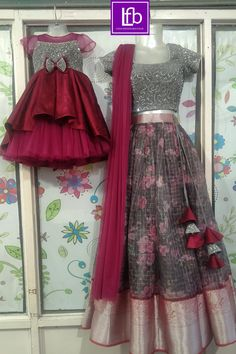 Little Girl Princess Dresses, Mom And Baby Dresses, Dresses Kids Girl, Sari Design, Kids Frocks, Frocks For Girls, Robe Anarkali, Lehenga, Sarees