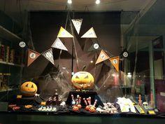 Candy bar,  mesa dulce de halloween.  Truco o trato?  www.evdae.com