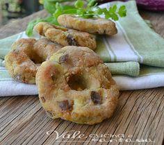 Ciambelline alle melanzane ricetta facile e veloce ideali come antipasto , aperitivo,finger food oppure una cenetta veloce e sfiziosa