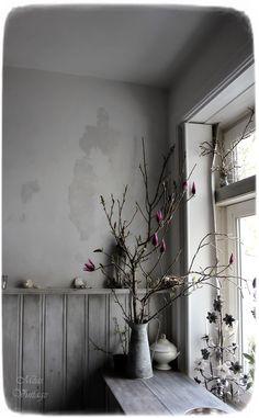 Meas Vintage, White Homes, Hygge, Provence, Html, Shabby, New Homes, Vase, Mini