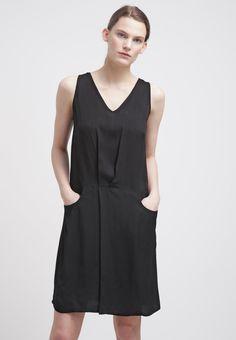 f9f3d86f6c145b 27 beste afbeeldingen van Little Black Dress - Clothes