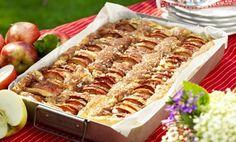 Perfekt när man är många gäster som vill njuta av en riktigt smaskig äppelkaka!