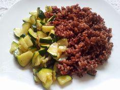 La dritta: E' un piatto estivo da gustare tiepido. Il riso rosso integrale richiede una lunga cottura, circa 45 minuti e c. Riso Rosso Integrale con verdure